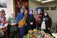 تعد من الشخصيات النسائية المهمة في الشرق الأوسط وتوصف بأنها أحد أبرز سيدات المجتع النشيطات في قضايا حقوق الإنسان وحقوق المرأة والأعمال الإنسانية بجانب امتلاكها لآراء في قضايا سياسية مختلفة محليًا وإقليميًا