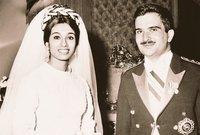 أما عن حياته الشخصية فهو متزوج من السيدة «ثروت الحسن» وهي بكستانية الأصل، كانت ابنة لشخصيات دبلوماسية باكستانية وتم الزواج عام 1968