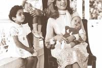 الملكة علياء الحسين، زوجة ملك الأردن الراحل الحسين بن طلال الثالثة، والتي أنجبت منه 3 أبناء