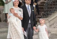 الأميرة فيكتوريا ولية عهد السويد برفقة عائلتها