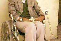 تعرض لحادث في شبابه أثناء ممارسته للرياضة أدى إلى إصابته بشلل تامً لجميع أطرافه