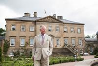 ويقبع الأمير تشارلز حاليًا في حجر صحي في اسكتلندا لمدة من الوقت حتى يتمكن من التعافي من كورونا