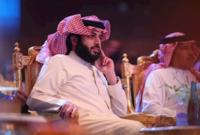 عمل في مكتب أمير منطقة الرياض لمدة عامين ثم انتقل للعمل في مكتب وزير وزير الدفاع وديوان ولي العهد لمدة ثلاث أعوام