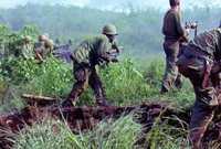 اندلعت بين جمهورية فيتنام الديمقراطية «الشمالية» بالتحالف مع جبهة التحرير الوطنية ضد جمهورية «فيتنام الجنوبية» مع حلفائها الذين كانت الولايات المتحدة الأمريكية على رأسهم