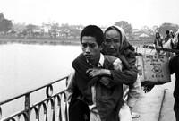 عام 1960 قامت الولايات المتحدة بغزو فيتنام واستخدمت أسلحة فتاكة في حربها