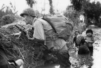 """على الرغم من اتفاقية السلام ، الذي وقعته جميع الأطراف في يناير 1973 استمر القتال في فترة عرفت بـ """"حرب الأعلام"""" والتي حاول فيها كل من فيتنام الجنوبية وفيتنام الشمالية الاستيلاء على الأرض"""