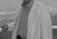 بلغت ثروته وفقًا لمؤسسة فوربس العالمية أكثر من 14 مليار دولار، وحمل لقب أغنى رجل عربي لفترة طويلة قبل أن ينتزعها منه رجل الأعمال السعودي الوليد بن طلال