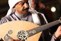 دخل المجال الفني عن طريق الصدفة حيث تبناه الفنان الراحل طلال مداح حينما كان عمره 14 عام
