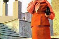 كما كانت المجلات تملأ شوارعها وكانت تحتوي أغلفتها على عارضات أزياء يرتدين أحدث صيحات الموضة آنذاك