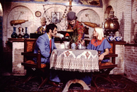 وكانت إيران مقصدًا سياحيًا من الدرجة الأولى قبل الثورة الإسلامية بل كانت مقصدًا للسياح الأمريكيين والأوربيين على وجه الخصوص