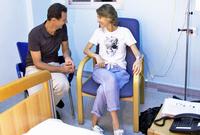 في عام 2018 أعلنت الرئاسة السورية إصابة أسماء الأسد بسرطان الثدي وأن المرض تم اكتشافه في مرحلة مبكرة، وأنها تتلقى العلاج الكيميائي، كما أنها قامت بإجراء عملية جراحية ناجحة لاستئصال الورم