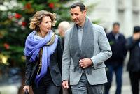 فاجئ زواج الثنائي الكثيرين في ذلك الوقت حيث لم تتحدث أية تقارير صحفية حول علاقتهما قبل الزواج، ولكن رجح البعض أن التعارف بينهما تم عن طريق والدها الذي كان يعمل مع بشار الأسد في نفس المستشفى سابقًا