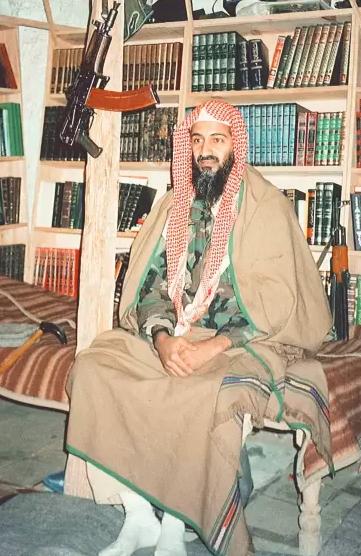أسامة بن لادن هو واحد من 57 ابنا للملياردير السعودي محمد بن عوض بن لادن