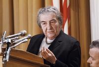 تدرجت مائير في الوظائف الحكومية الكبيرة حيث عملت كوزيرة للخارجية ووزيرة للعمل وبعد وفاة رئيس الوزراء الإسرائيلي ليفي اشكول في فبراير 1969، تقلّدت جولدا منصب رئيس الوزراء