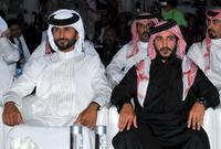 صورة تجمعه بشقيقه خالد بن حمد