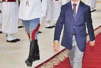 على الرغم من ذلك لا يمكن للحسن الثالث أن يتولى عرش المملكة المغربية حال خُلو المنصب إلا بعد أن يتم الـ 18 عامًا، الأمر الذي تحقق هذا العام