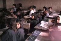 تم إنشاء المدارس بكافة الأشكال بداية من المدارس المجهزة بجميع الإمكانيات المادية والبشرية أو حتى البدائية في القرى والأماكن النائية حيث كان الحرص على تعليم الجميع بصورة كبيرة في تلك الفترة