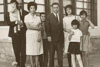 امتد انفتاح أفغانستان على العالم إلى تقليد عدد كبير من الأسر للأنظمة الغربية في التربية والتعليم فأصبح من الشائع رؤية المدارس الأجنبية سواء كانت أمريكية أو سوفيتية في أنحاء أفغانستان وتأثر الأفغان بهم في المظهر والعادات والتقاليد