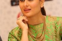 ممثلة هندية لعبت عدة أدوار بطولية في الأفلام الهندية وحازت على عدة جوائز