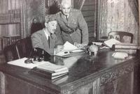 على المستوى السياسي كانت أفغانستان ملكية منذ مطلع القرن الماضي حتى عام 1973 شهدت أفغانستان في العهد الملكي حرية سياسية كبيرة خاصة بعد اتجاه الملك محمد ظاهر شاه إلى تحويلها إلى ملكية دستورية وترسيخ مبدأ الديمقراطية بالدولة