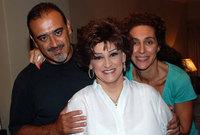 صورتها مع أبنائها وداد ورياض