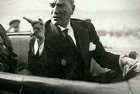 عام 1932.. حرم الأذان باللغة العربية، وطلب من المجمع اللغوي ترجمته إلى التركية