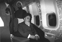 وبعد اتفاقات بين إيران والجزائر، تم طرد الخميني من العراق إلى فرنسا