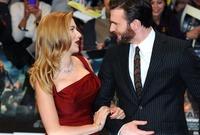 وقد أثير العديد من الأخبار حول علاقته بالممثلة سكارليت جوهانسون