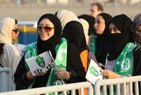 بين أبرز القرارات التي انتصر فيها بن سلمان للمرأة السعودية  أنه أعطى الحق للسيدات في دخول الملاعب الرياضية وحضور مباريات كرة القدم