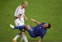 ونجح زيدان في قيادة منتخبه لكأس العالم 2006 ولكن في المباراة النهائية أمام إيطاليا، والتي كانت المباراة الأخيرة لزيدان حدثت مشادة كلامية بينه والمدافع الإيطالي ماركو ماتيرازي