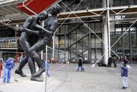 وتحولت نطحة زين الدين زيدان لماتيراتزي بعد ذلك إلى تمثال في جاليري للفنون المنحوتات بولاية نيويورك الأمريكية