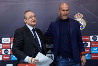 وبعد إقالة رافاييل بينتيز وتحديدا في بداية عام 2016 استلم زيدان تدريب ريال مدريد