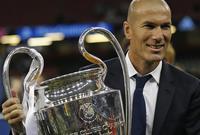 وقاد الفريق للفوز بكأس السوبر الأوروبية وكأس العالم للأندية في نفس العام