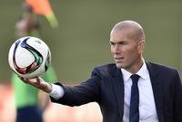 وكان أول مدرب لريال مدريد منذ 1928 يسجل الفريق تحت قيادته 10 أهداف في أول مباراتين له كمدرب ولا يستقبل سوى هدف واحد