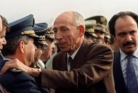"""وعندما نزل بمطار الجزائر صرح قائلا: """"جئتكم اليوم لإنقاذكم وإنقاذ الجزائر واستعد بكل ما أوتيت من قوة وصلاحية أن ألغي الفساد وأحارب الرشوة والمحسوبية وأهلها وأحقق العدالة الاجتماعية"""""""