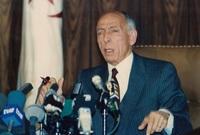 أصبح الرئيس الرابع للجزائر في يناير 1992 وأعلن عن حرب كبيرة ضد الفساد في الجزائر وإعلاء العدالة الاجتماعية في الدولة