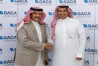 يمارس الأمير سلطان بن سلمان، الطيران المدني لأكثر من ثلاثة عقود