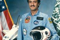عام 1985 ، قامت جامعة الدول العربية بإصدار قرار إطلاق القمر الصناعي عرب سات، بواسطة المكوك الفضائي ديسكفري،