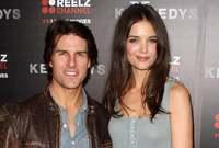 """وفي عام 2006 تزوج من الممثلة كيتي هولمز وانجبا ابنة اسمها """"سوري"""" قبل أن ينفصلا عام 2012"""