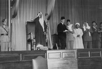 لأسباب صحية أجبره البرلمان الأردني على التنحي عن العرش
