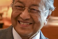 بعد اعتزاله العمل السياسي أعلن عن خوضه من جديد للانتخابات العامة ليفوز بأغلبية المقاعد ويعلن عن تشكيل الوزارة في 10 مايو 2018، ليصبح بذلك سابع رئيس وزراء لماليزيا ويعد أحد أكبر الحكام أعماراً في العالم