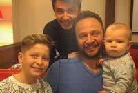 """الممثل مكسيم خليل هو الأخر كان له زيجة سابقة من زميلته الفنانة يارا خليل وأنجب منها أكبر ابناءه """"هاني"""""""