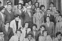 الرئيس التونسي الحبيب بورقيبة مع المنتخب الفلسطيني في السبعينات
