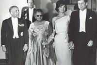أما زوجته الثانية هي وسيلة بن عمار ثائرة تونسية قامت بالعديد من الحركات ضد الاستعمار