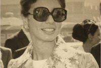 وقالت عنها ابنتها: «لقد تربت والدتي مثل أي فتاة عربية في بيت آمن ملئ بالحب والأمر كان ضروريا لجمع شمل عائلة أكثرت من التنقل والترحال»
