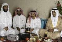 وينظر إلى حمزة باعتباره نائب زعيم الجماعة الإرهابية الحالي، أيمن الظواهري