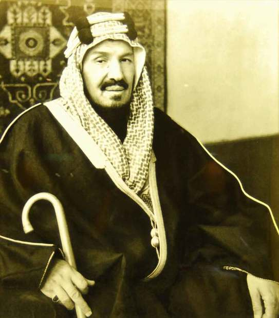 هي الأميرة نورة بنت عبد الرحمن بن فيصل بن تركي آل سعود وهي ابنة عبد الرحمن بن فيصل بن تركي آل سعود وأكبر شقيقات الملك عبد العزيز آل سعود حيث ولدت عام 1875 بمدينة الرياض أي أنها أكبر منه بعام واحد