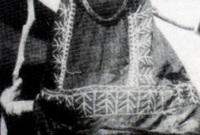 تم وصفها بأنها المرأة الأكثر أهمية في الجزيرة العربية خلال فترة حكم الملك عبد العزيز ورغم كونها شقيقته وليست زوجته لكنها وُصفت بأنها السيدة الأولى، وتم وصفها من النساء اللاتي قابلنها بأنها تمتلك شخصية ذات جاذبية كبيرة وأنها سيدة لبقة في الحديث بشكل كبير