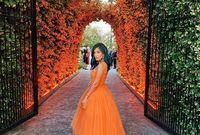 تالا سمان، مدونة أمريكية من أصل سوري، كانت نشأتها في دبي قبل انتقالها إلى لندن لإكمال دراستها