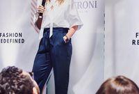 ديبورا هينينج، مصممة أزياء ومدونة موضة وسيدة أعمال كندية وتعيش في الإمارات